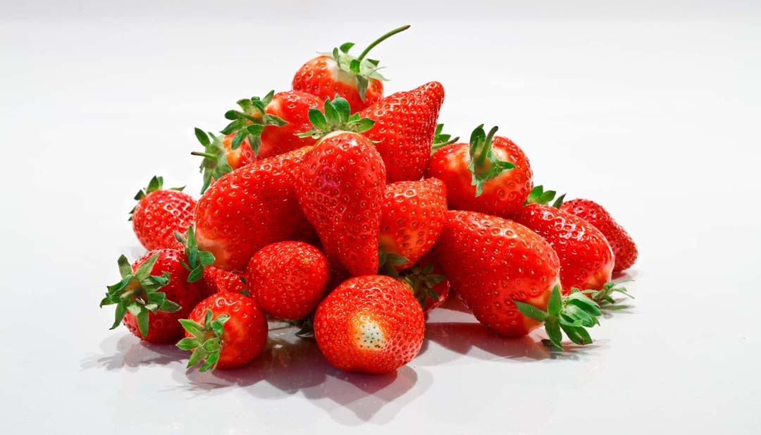 Strawberries Benefits and Nutrition Facts