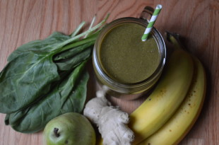 Banana Pear Ginger Spinach Smoothie