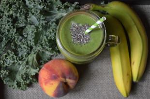 Peach Banana Kale Green Smoothie Recipe