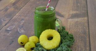 Tropical Papaya Pineapple Kale Green Smoothie Recipe - Choose Smoothies
