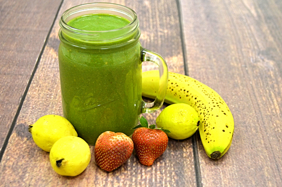 Guava Strawberries Banana Spinach Green Smoothie Recipe